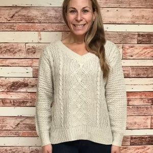 Cable knit v-neck sweater in ivory